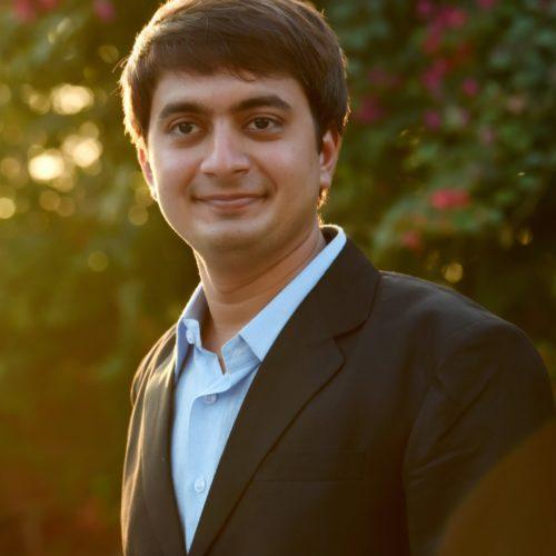 Rtr. Ruchit Amlani
